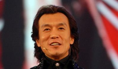 李咏称离开央视跟太太哈文的高升没有关系。